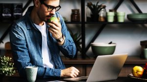 Office Workers vs. Remote Workers – Which one performs the best and Why?   HiTechNectar