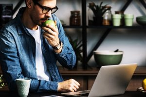 Office Workers vs. Remote Workers – Which one performs the best and Why? | HiTechNectar